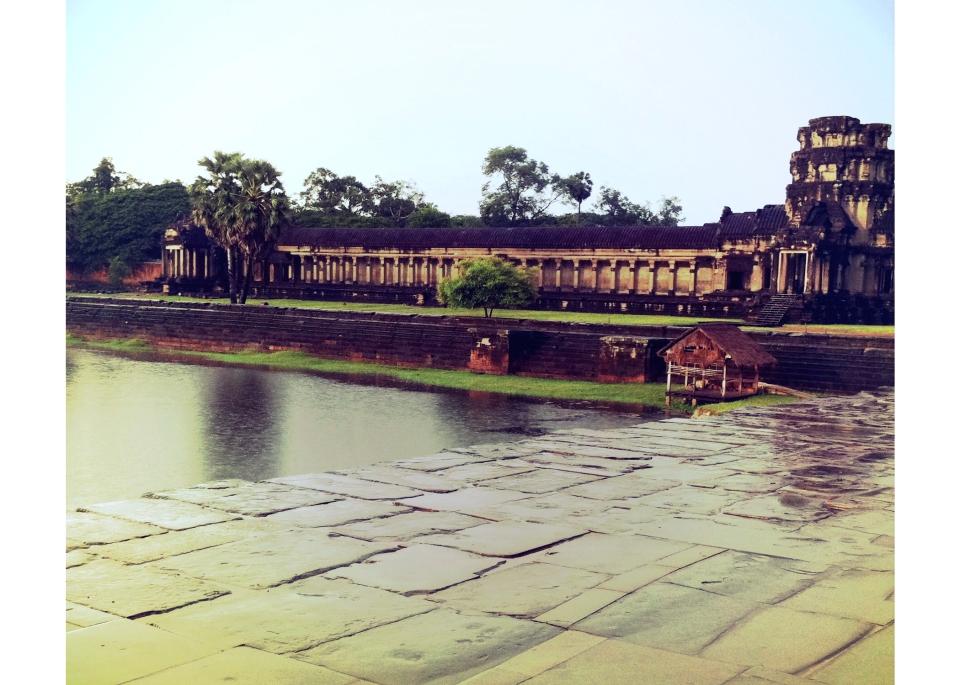 Leap_Hop_Blog_Angkor_Wat_Rain