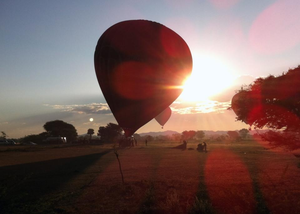 Leap_Hop_Blog_Myanmar_balloon