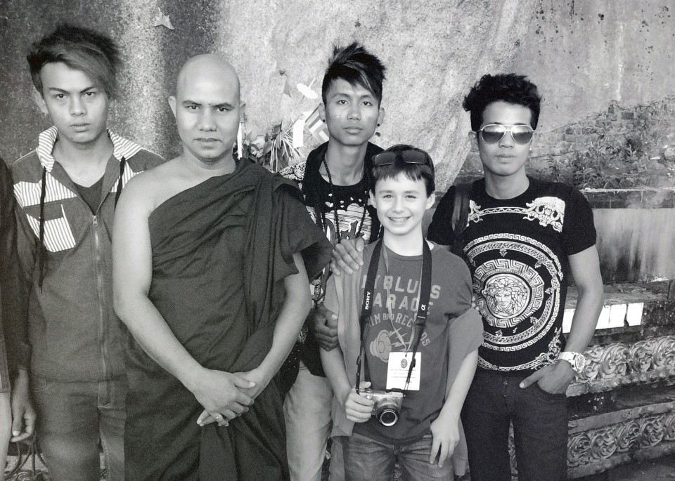 Leap_Hop_Blog_Myanmar_Emile_Golden_Rock