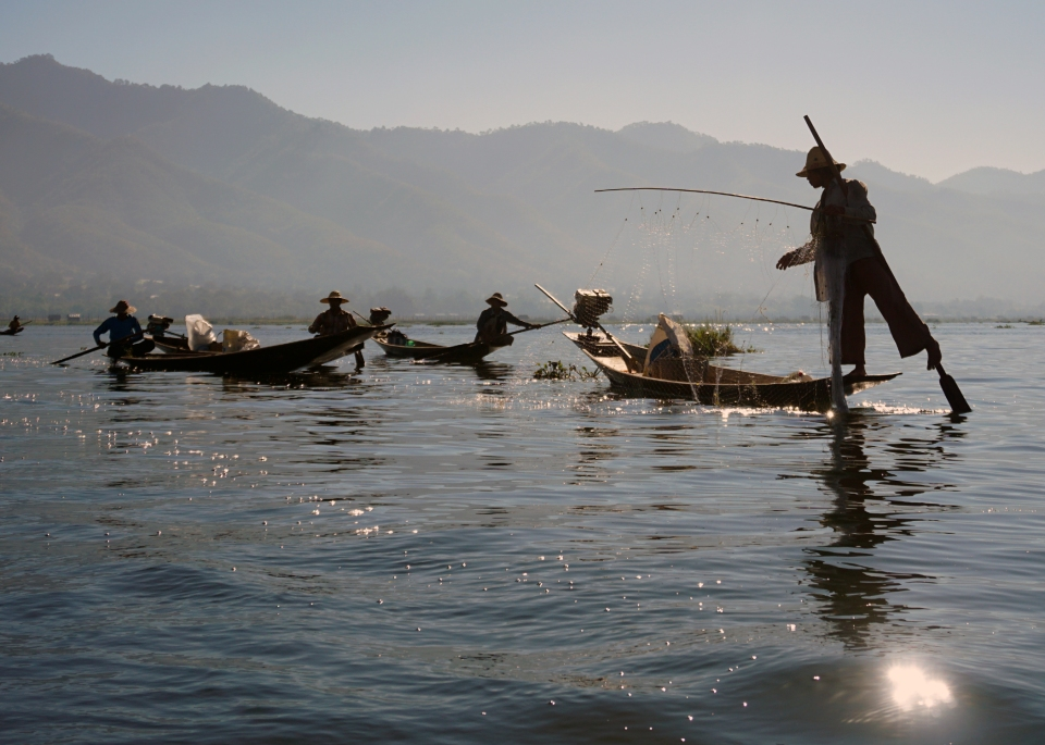 Leap_Hop_Blog_Myanmar_inle_fisherman