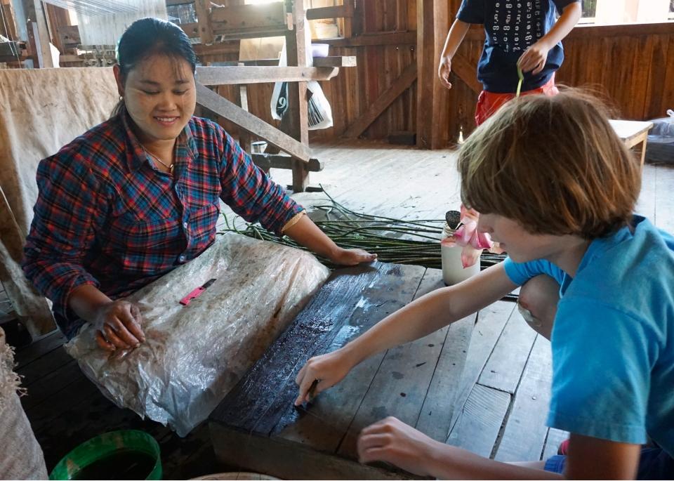 Leap_Hop_Blog_Myanmar_lotus_weaver