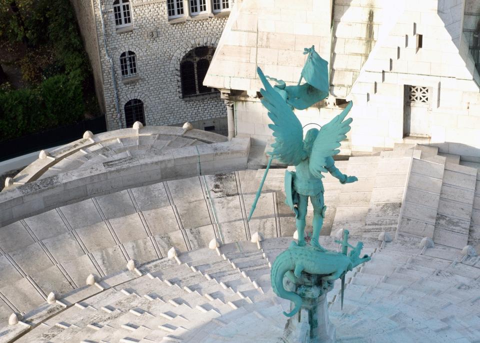 Leap_Hop_Blog_Paris_St_Michael