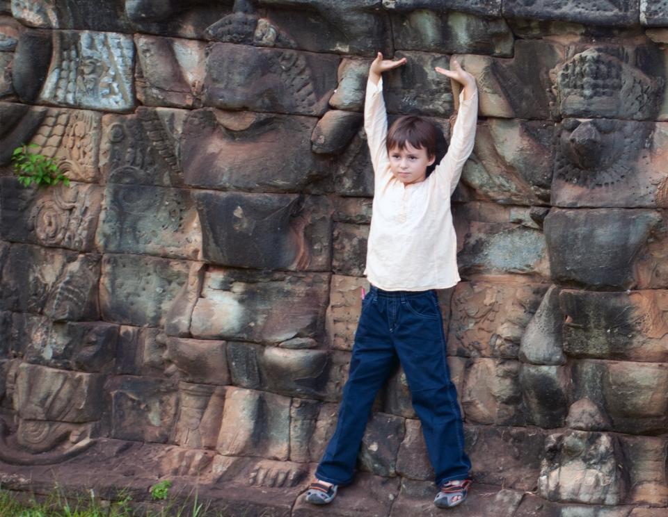 Leap & Hop Cambodia Garuda Angkor Thom