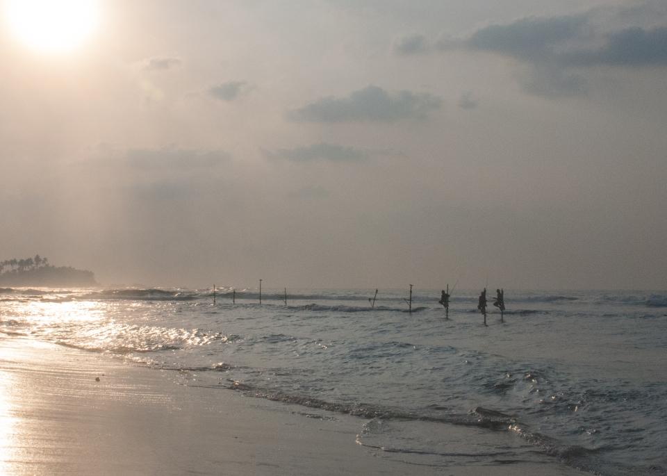leap-hop-sri-lanka-stilt-fishermen